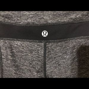 lululemon athletica Pants - Lululemon athletica capris size 4